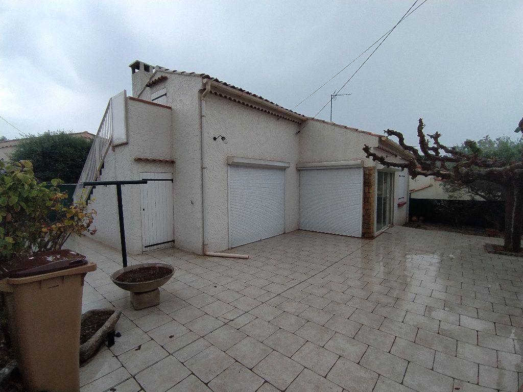 Maison à louer 3 69.96m2 à Saint-Mitre-les-Remparts vignette-1