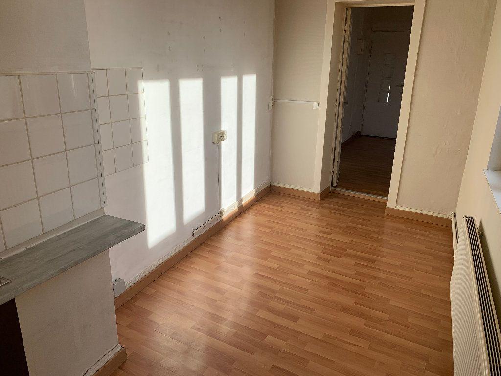 Appartement à louer 2 44.16m2 à Lille vignette-2