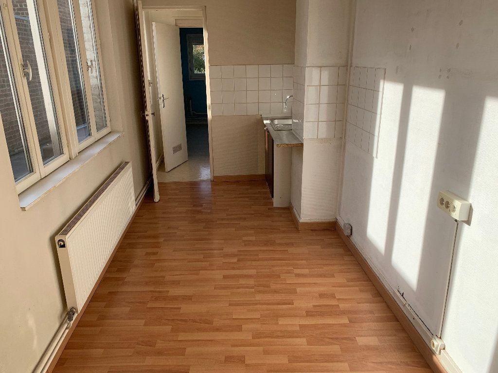 Appartement à louer 2 44.16m2 à Lille vignette-3