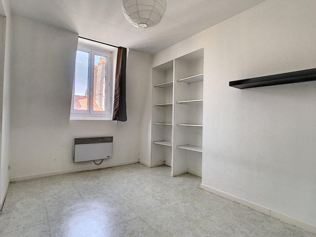 Appartement à louer 2 35.8m2 à Lille vignette-3