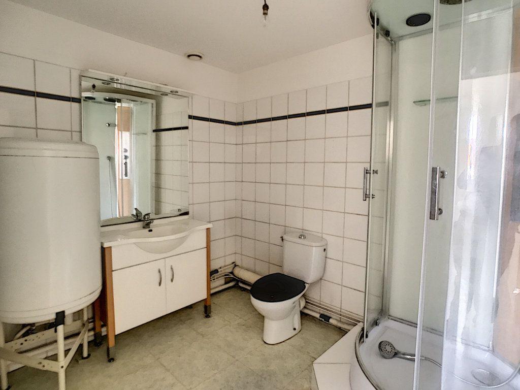Appartement à louer 2 35.8m2 à Lille vignette-4