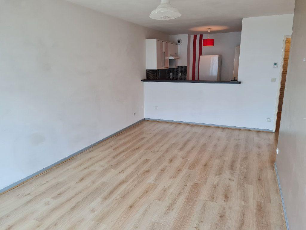 Appartement à louer 2 44m2 à Roubaix vignette-1