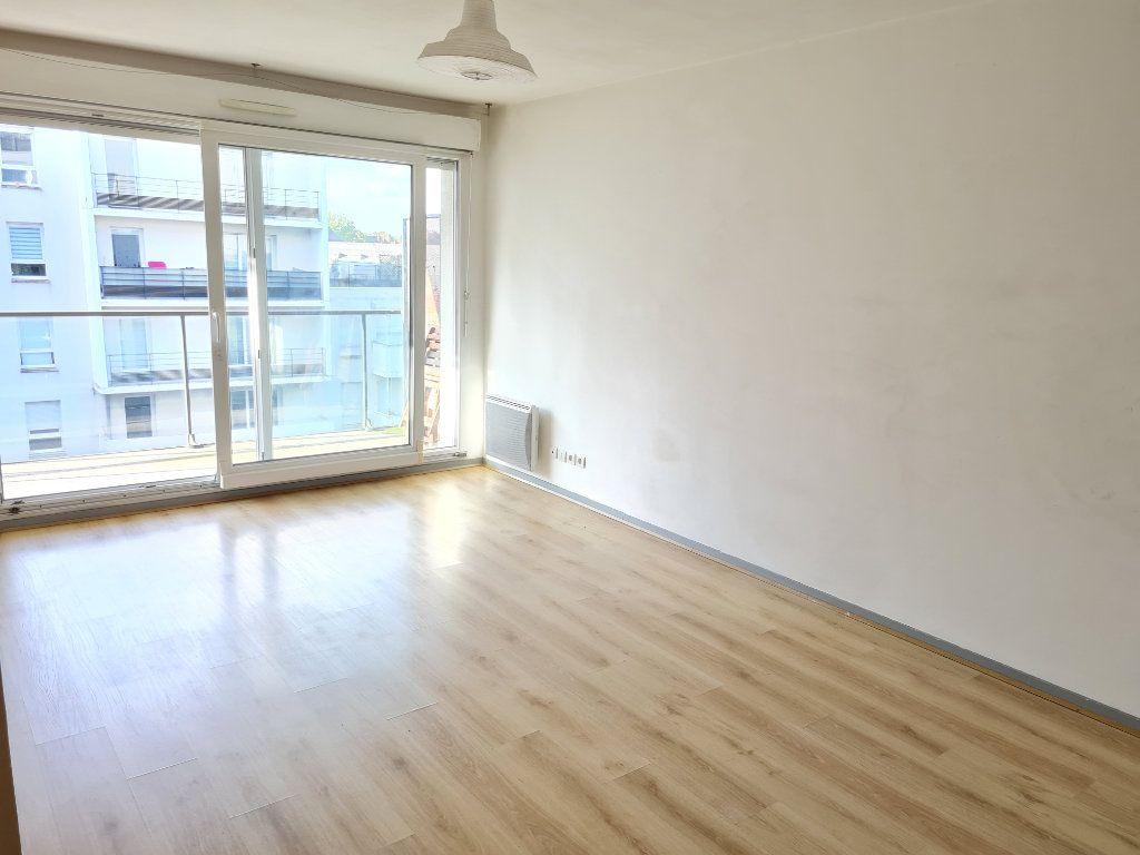 Appartement à louer 2 44m2 à Roubaix vignette-2