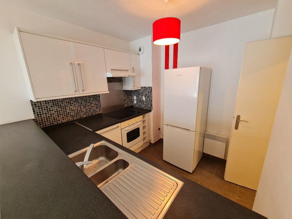 Appartement à louer 2 44m2 à Roubaix vignette-5