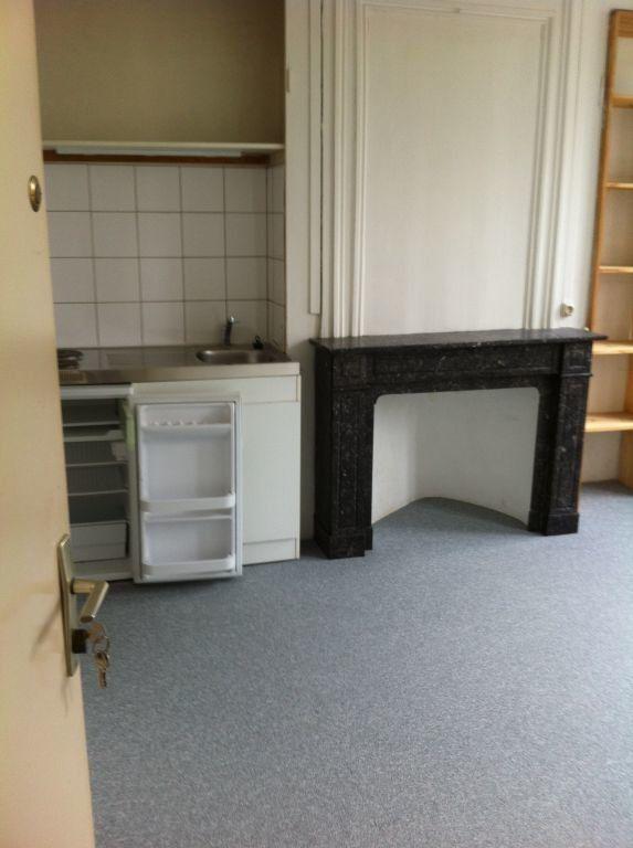 Appartement à louer 2 35.37m2 à Lille vignette-4