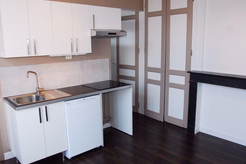 Appartement à louer 1 26m2 à Lille vignette-1