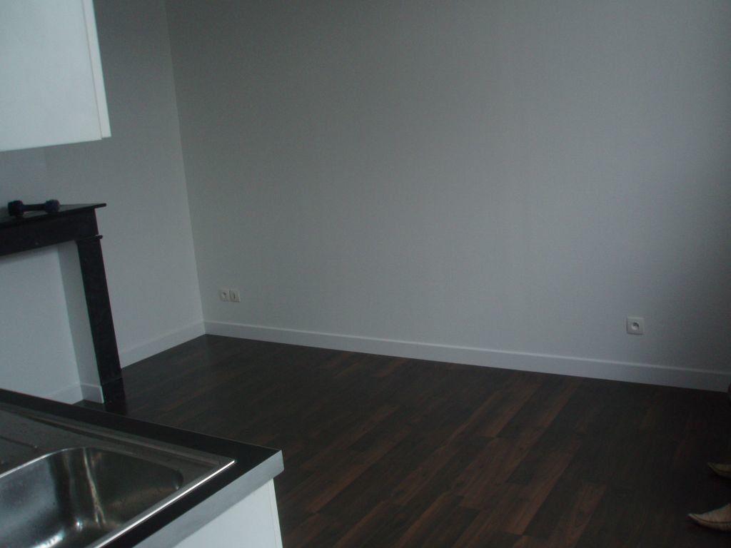 Appartement à louer 1 26m2 à Lille vignette-3
