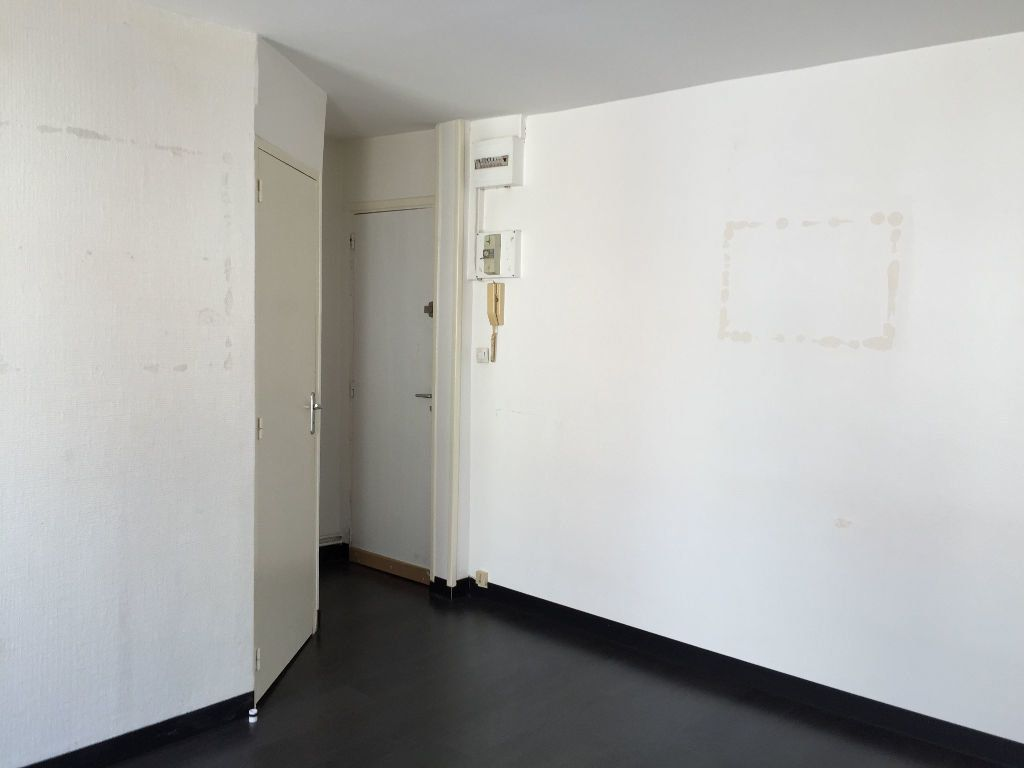 Appartement à louer 1 17.04m2 à Lille vignette-4