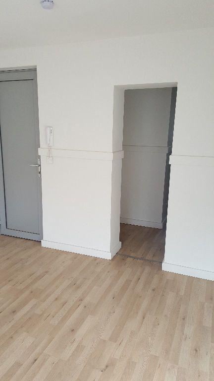 Appartement à louer 1 20.68m2 à Lille vignette-2