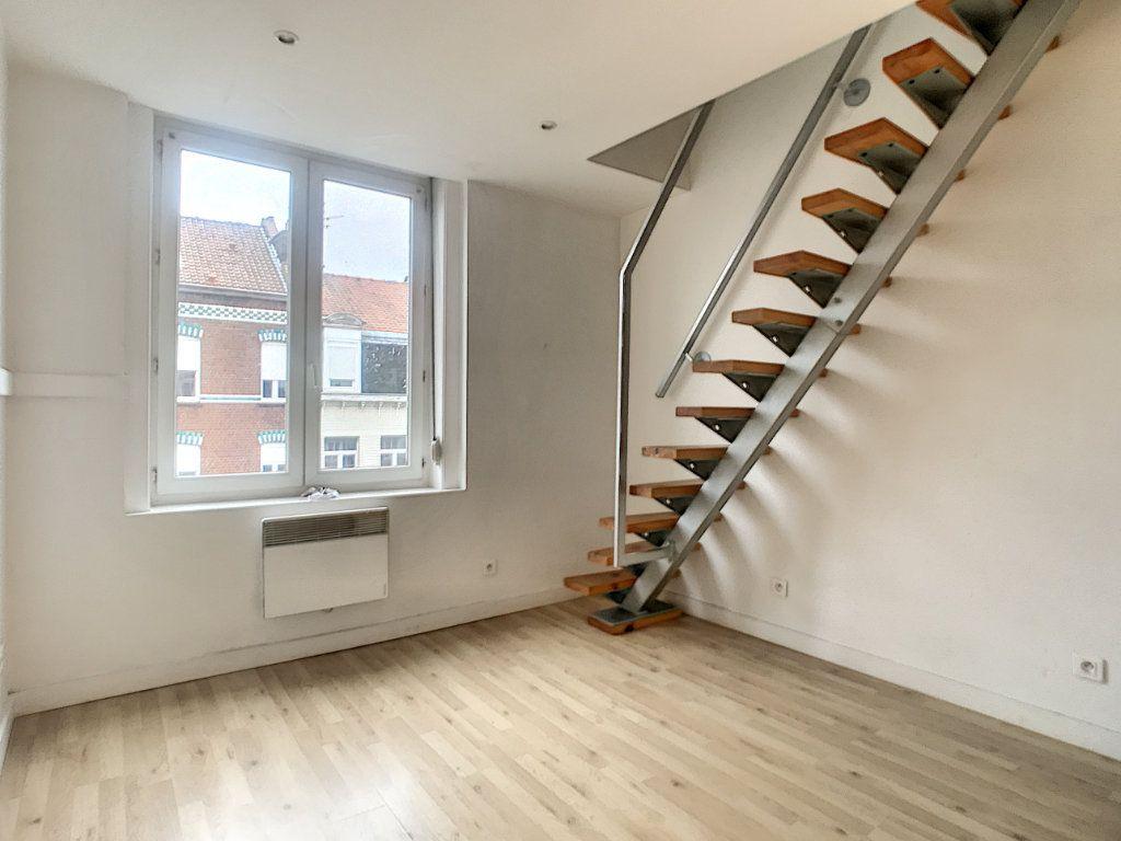 Appartement à louer 1 20.47m2 à Lille vignette-1