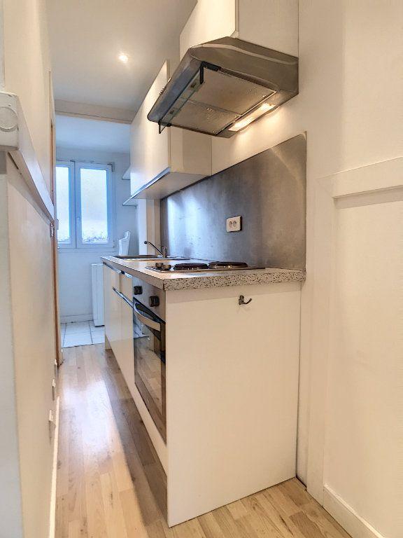 Appartement à louer 1 20.47m2 à Lille vignette-3