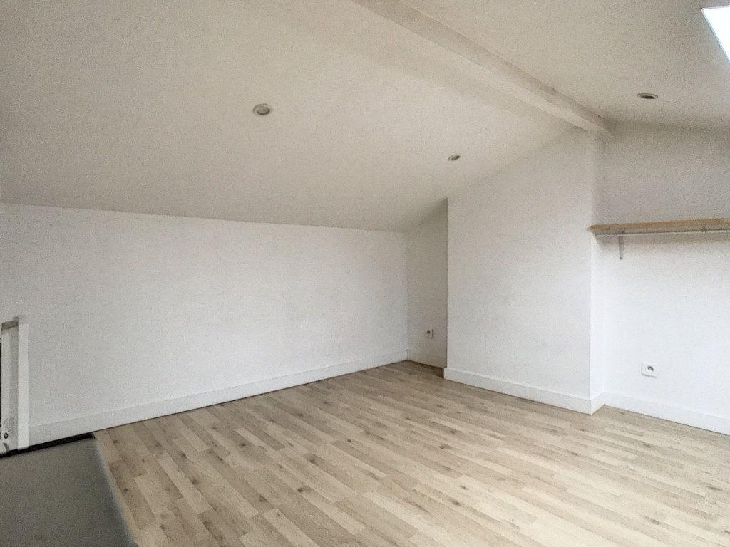 Appartement à louer 1 20.47m2 à Lille vignette-5