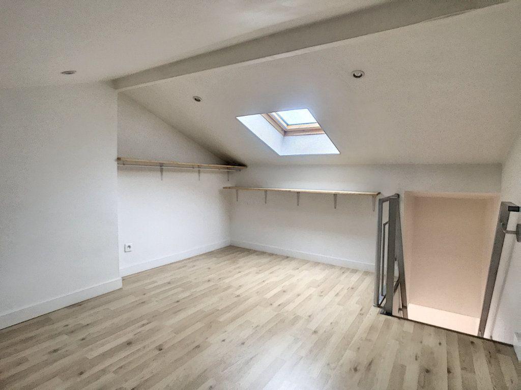 Appartement à louer 1 20.47m2 à Lille vignette-6