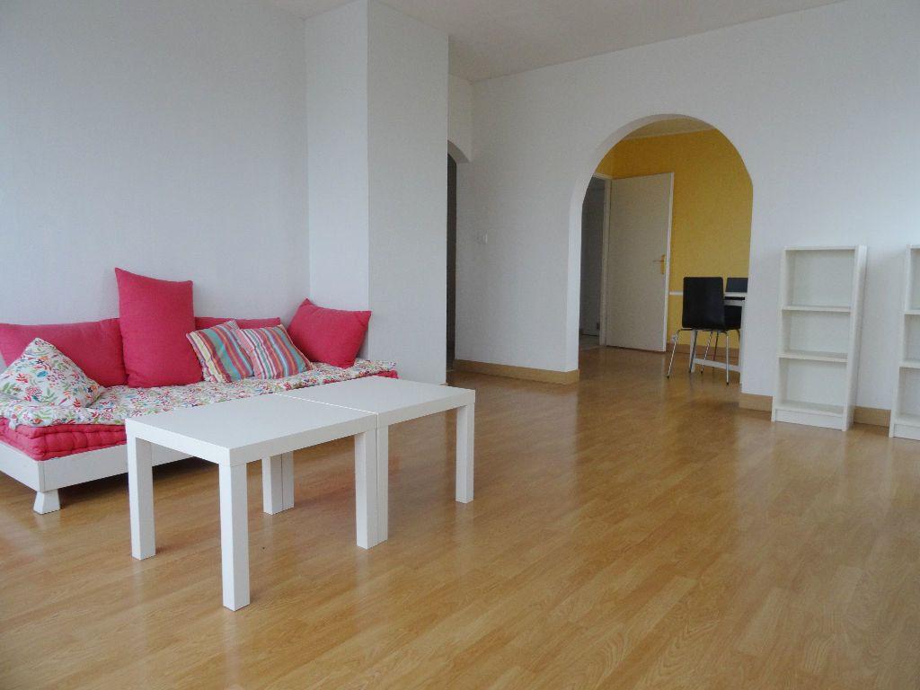 Appartement à louer 3 89.96m2 à Mons-en-Baroeul vignette-1