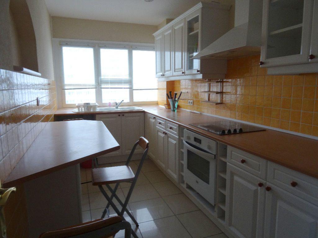 Appartement à louer 3 89.96m2 à Mons-en-Baroeul vignette-2