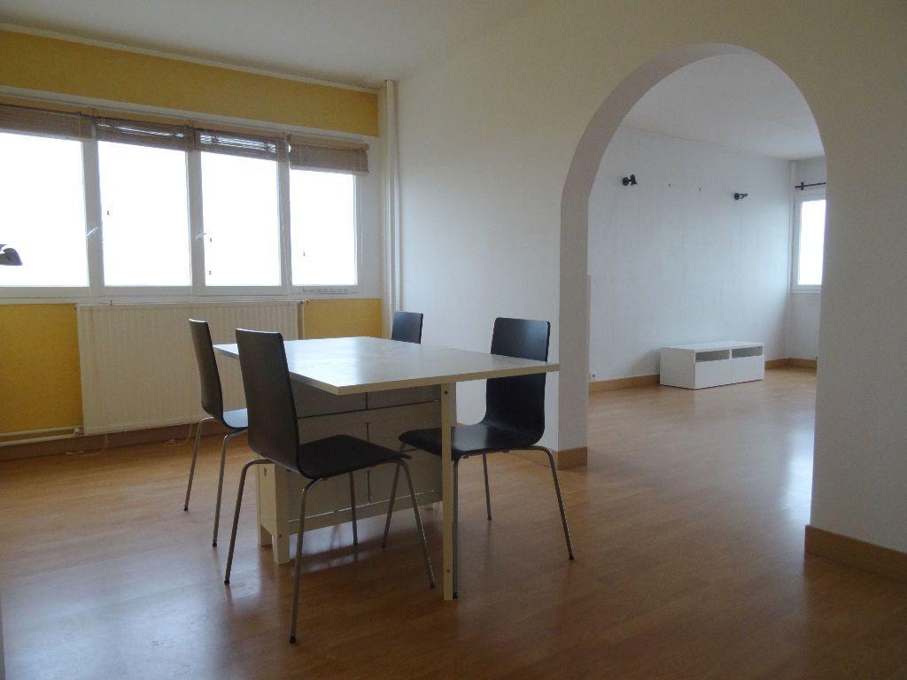 Appartement à louer 3 89.96m2 à Mons-en-Baroeul vignette-4
