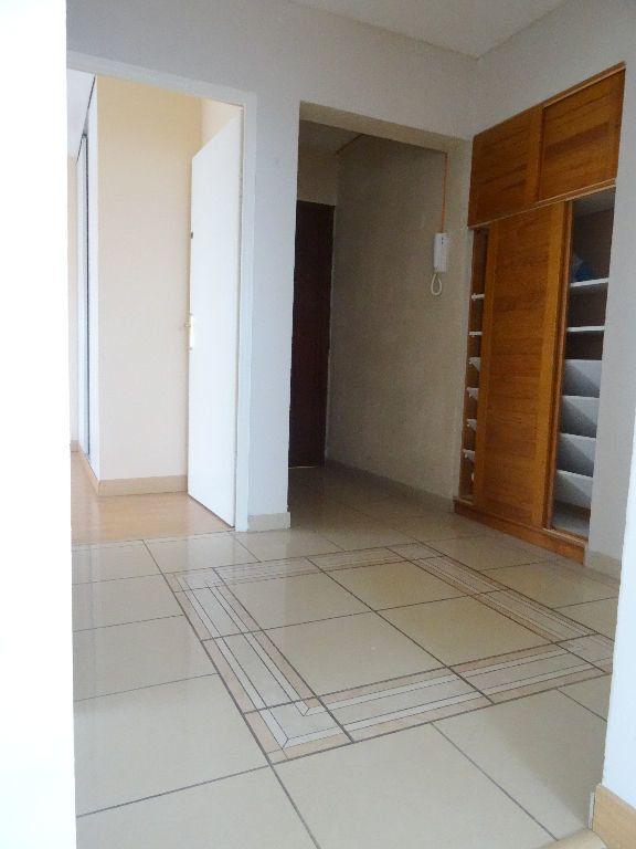 Appartement à louer 3 89.96m2 à Mons-en-Baroeul vignette-7