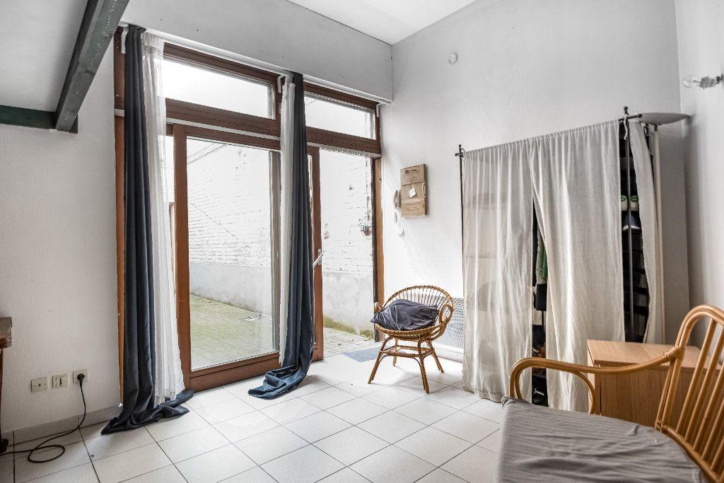 Appartement à louer 1 18.72m2 à Lille vignette-1