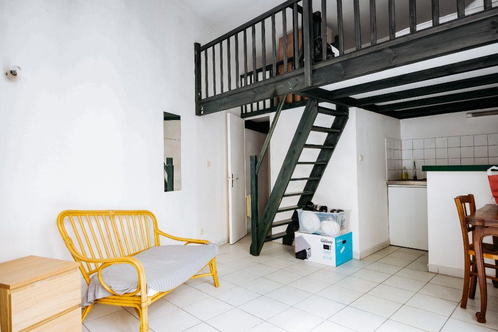 Appartement à louer 1 18.72m2 à Lille vignette-2