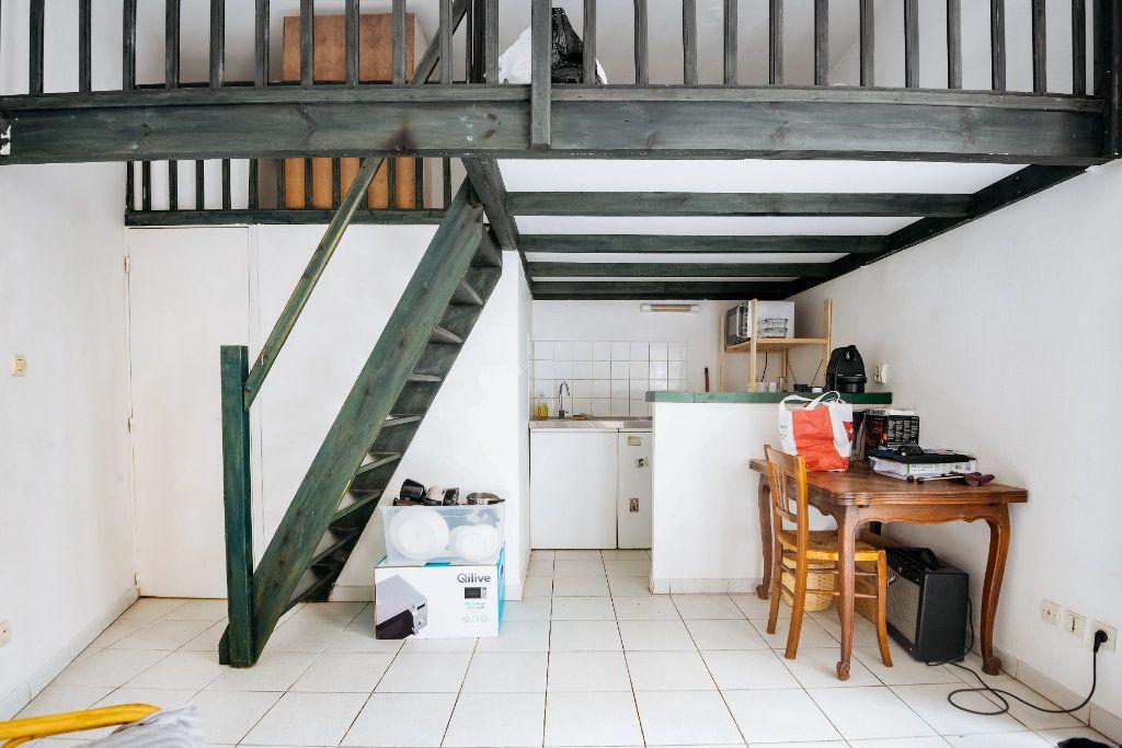 Appartement à louer 1 18.72m2 à Lille vignette-3