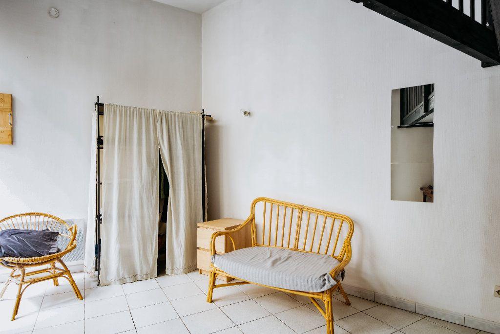 Appartement à louer 1 18.72m2 à Lille vignette-4