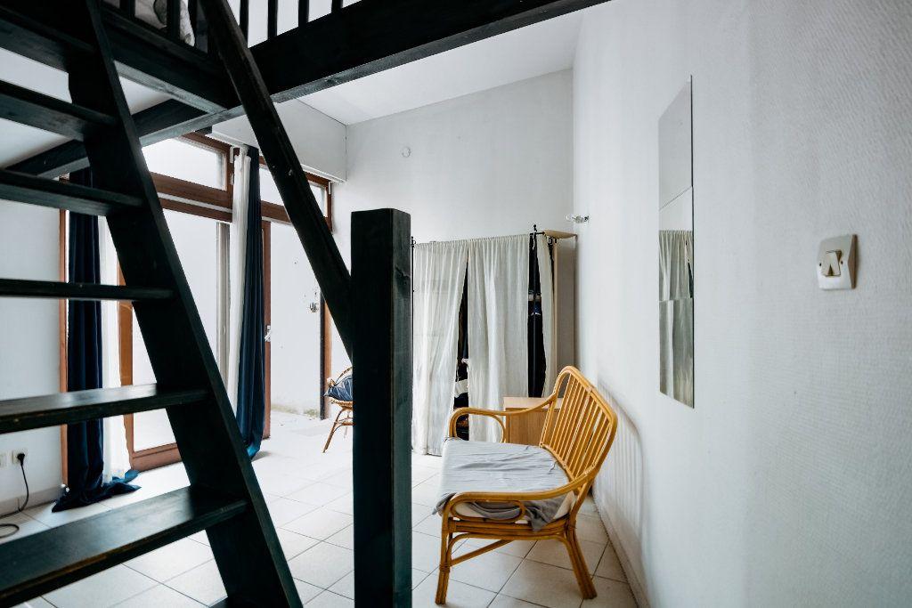 Appartement à louer 1 18.72m2 à Lille vignette-6