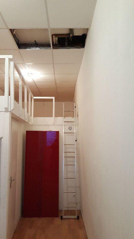 Maison à louer 4 113m2 à Lille vignette-7