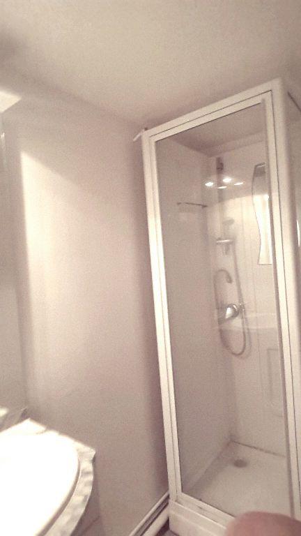 Appartement à louer 1 12.06m2 à Lille vignette-3