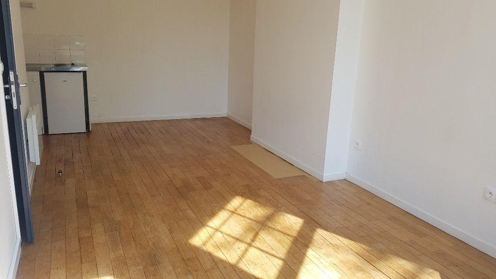 Appartement à louer 1 25.64m2 à Tourcoing vignette-3