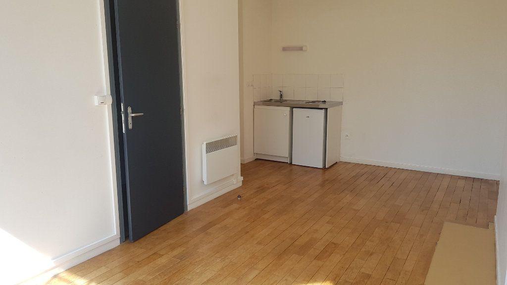 Appartement à louer 1 25.64m2 à Tourcoing vignette-4