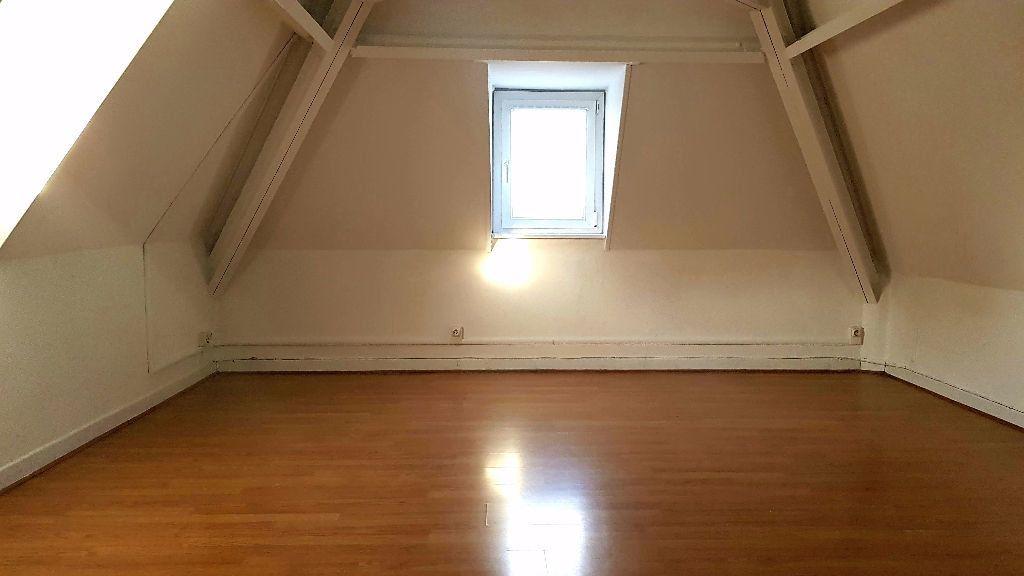 Appartement à louer 1 27m2 à Tourcoing vignette-1