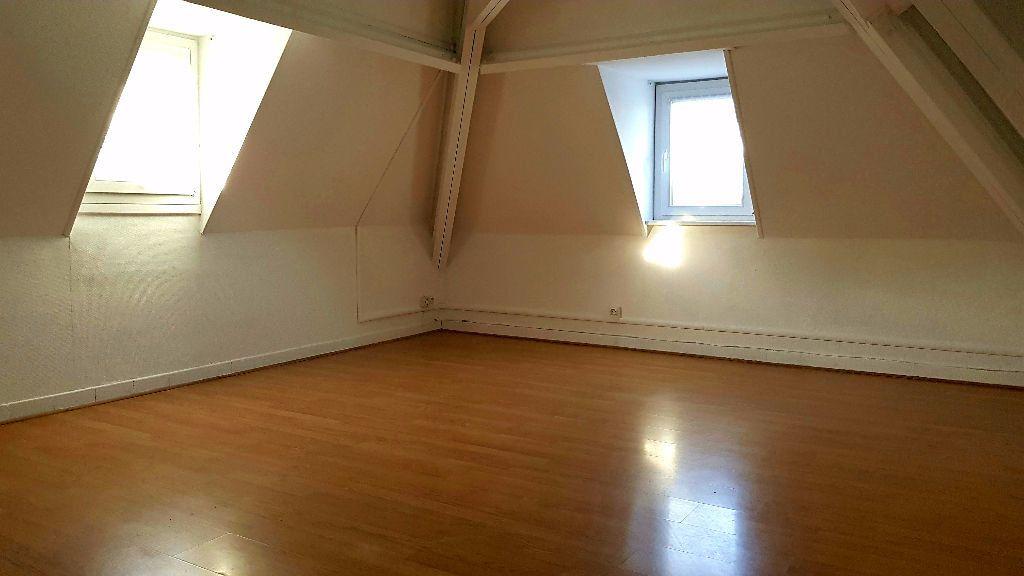 Appartement à louer 1 27m2 à Tourcoing vignette-2
