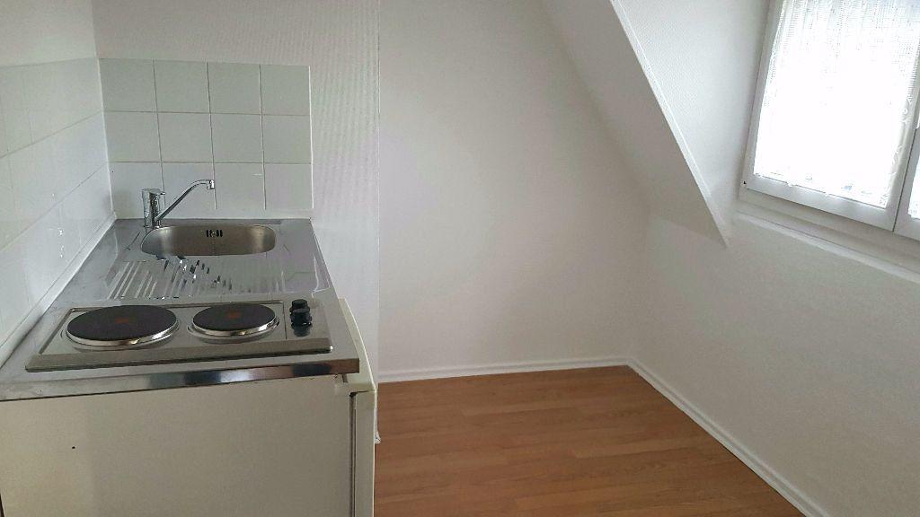 Appartement à louer 1 27m2 à Tourcoing vignette-3