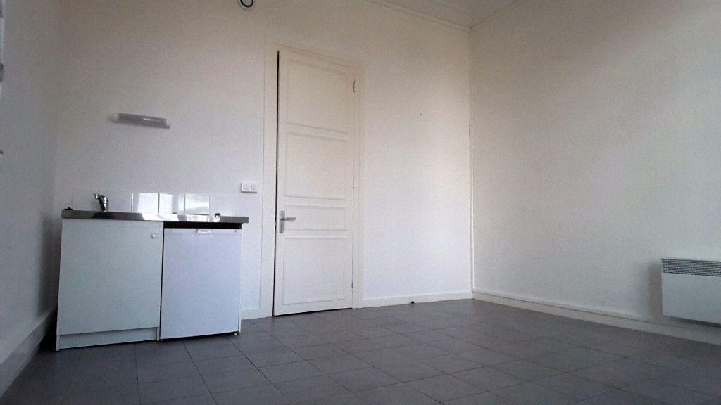 Appartement à louer 1 22m2 à Tourcoing vignette-3
