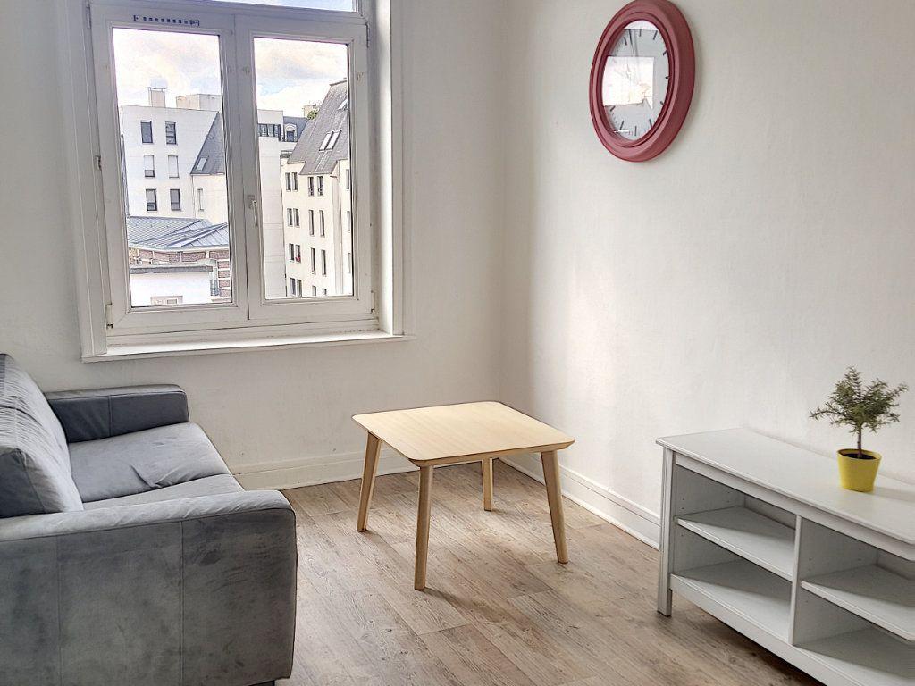 Appartement à louer 1 24.96m2 à Lille vignette-1