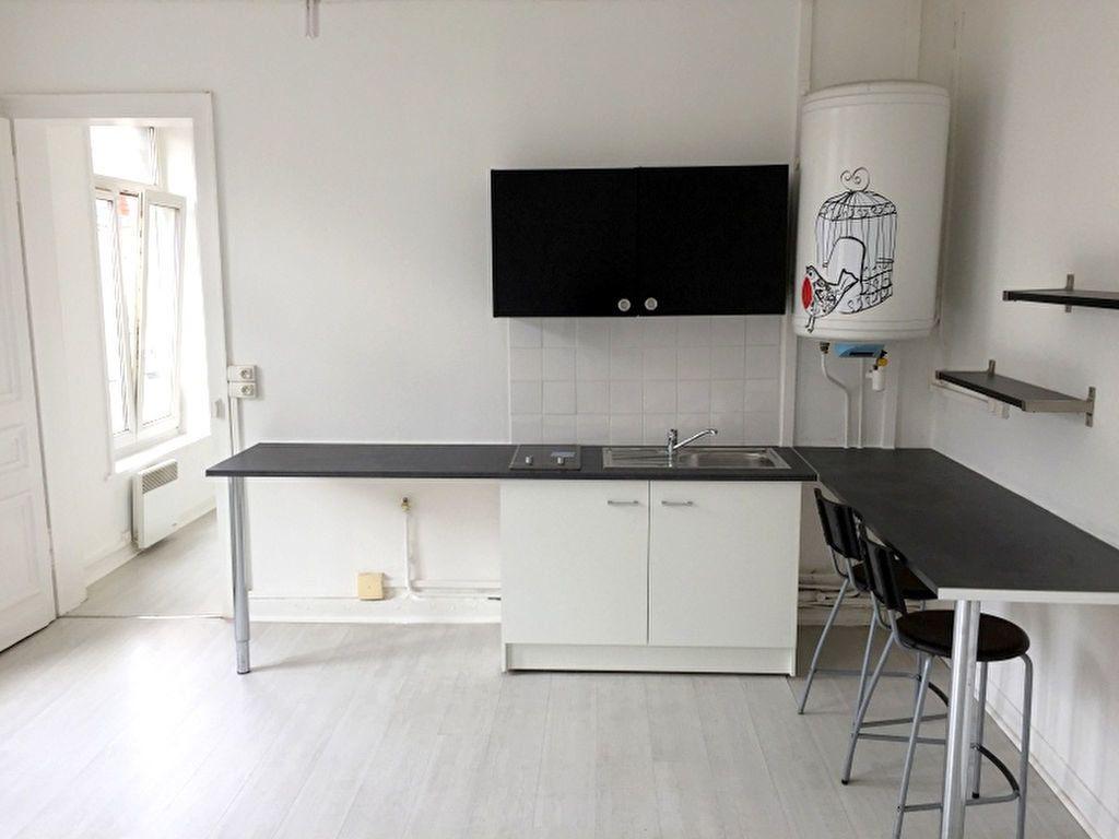 Appartement à louer 2 34.45m2 à Lille vignette-1
