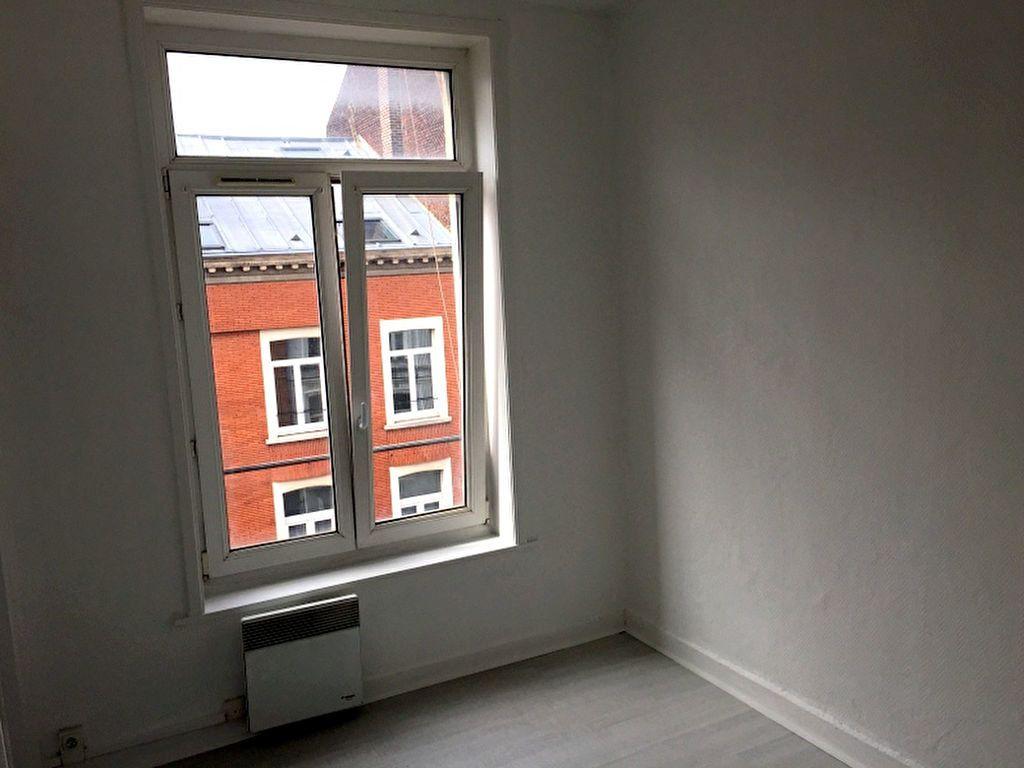 Appartement à louer 2 34.45m2 à Lille vignette-5