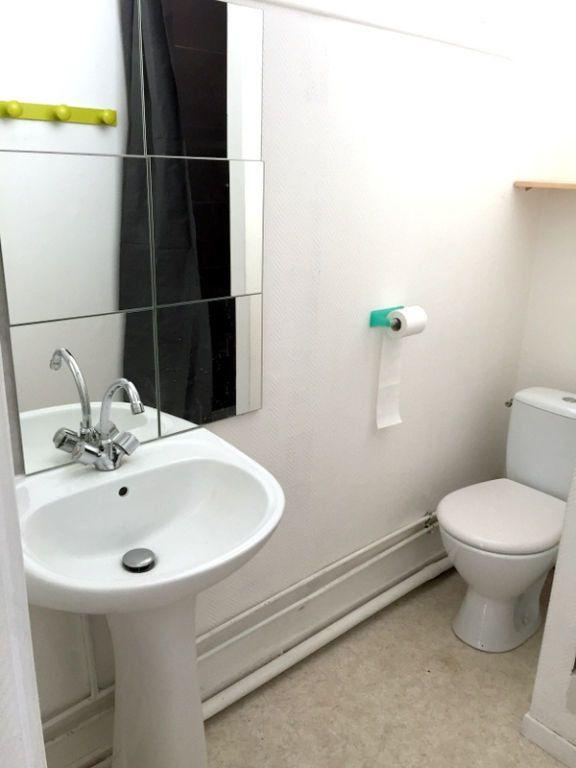 Appartement à louer 2 34.45m2 à Lille vignette-7