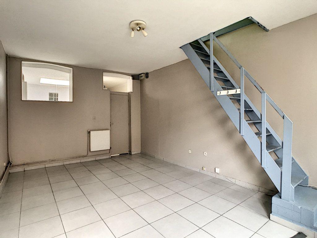 Maison à louer 3 67.77m2 à Lille vignette-1