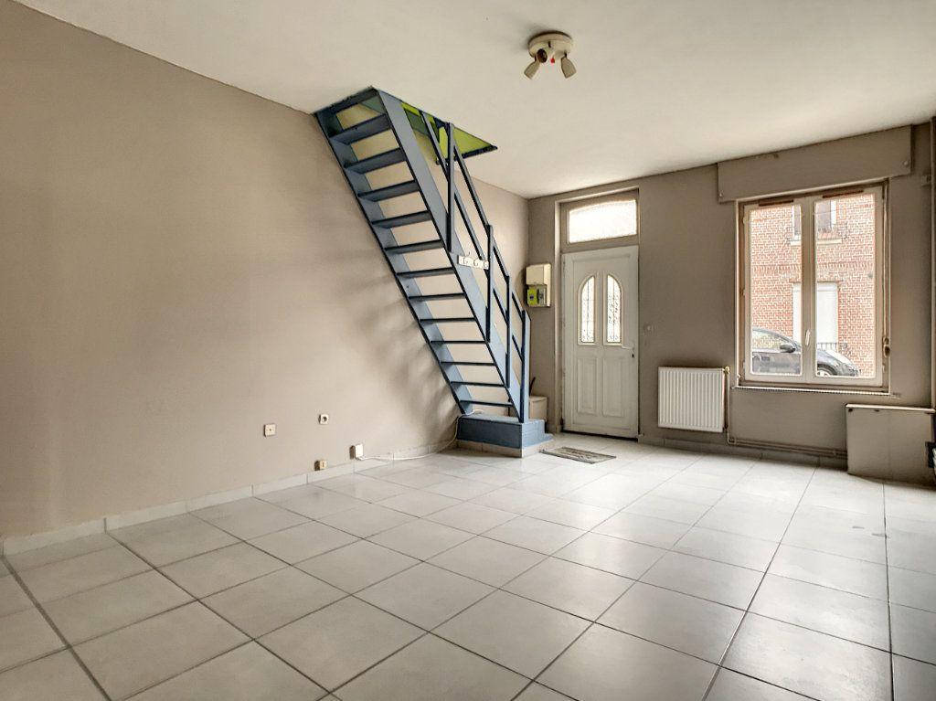Maison à louer 3 67.77m2 à Lille vignette-2