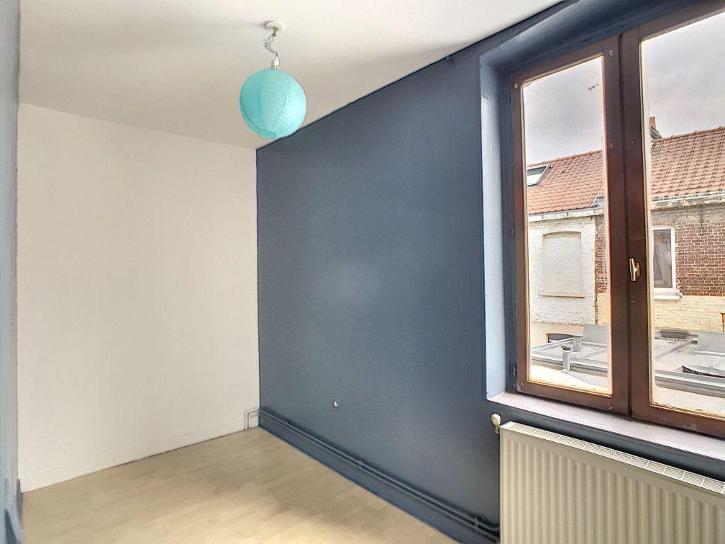 Maison à louer 3 67.77m2 à Lille vignette-5