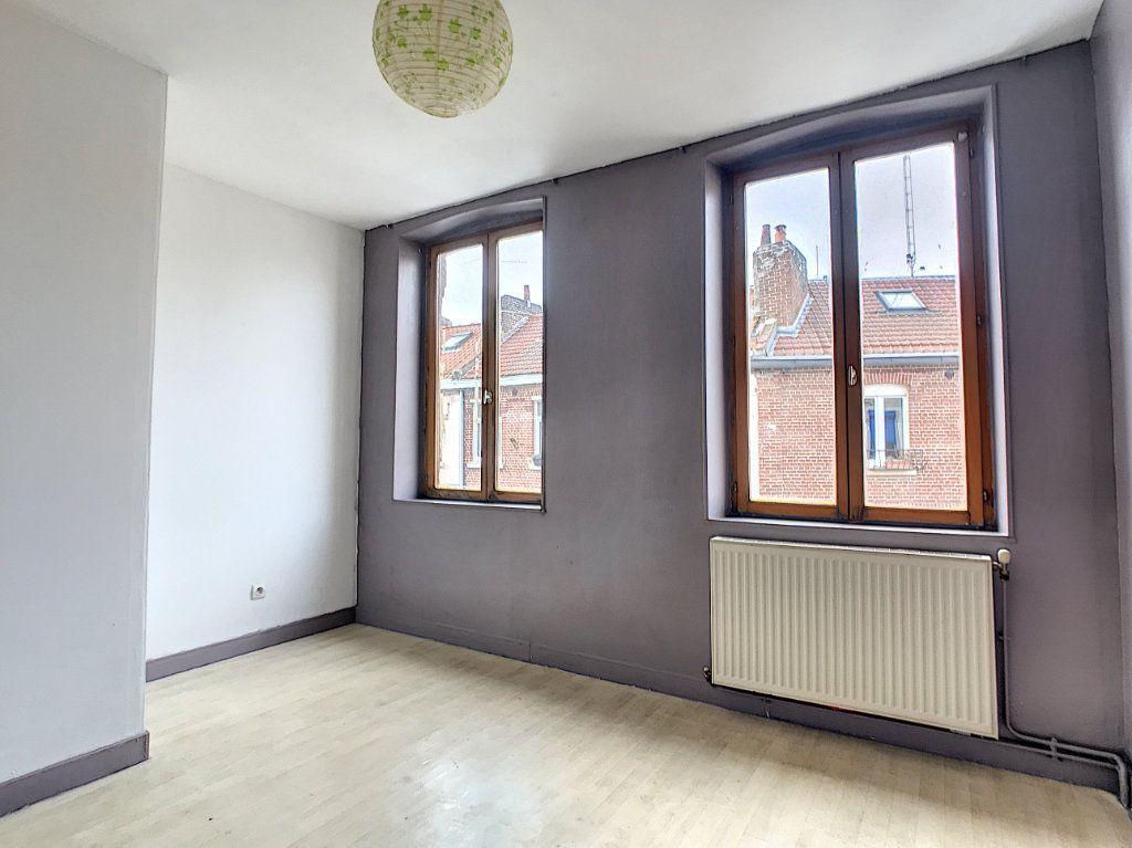 Maison à louer 3 67.77m2 à Lille vignette-6