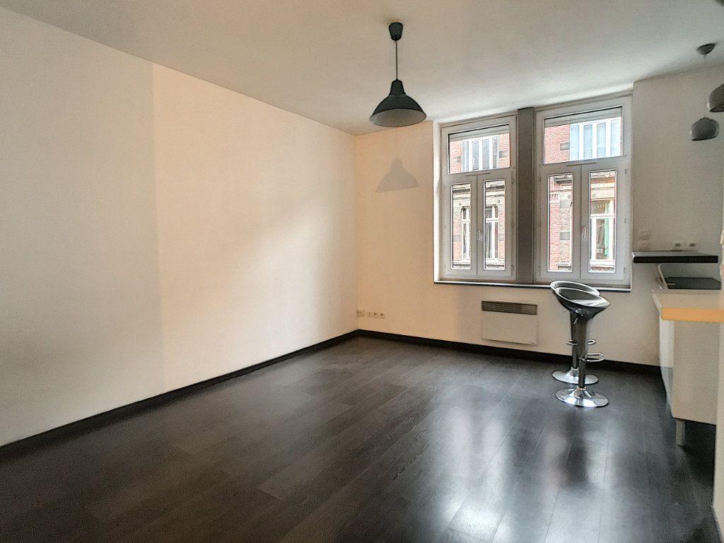 Appartement à louer 2 44.12m2 à Lille vignette-1