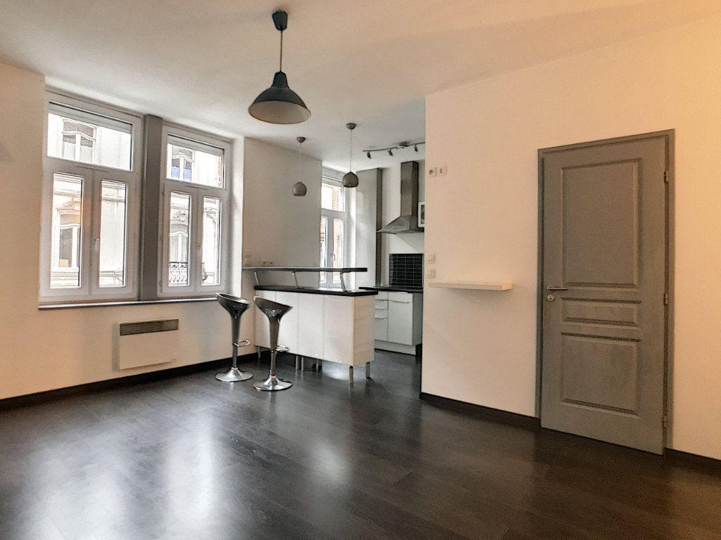 Appartement à louer 2 44.12m2 à Lille vignette-2
