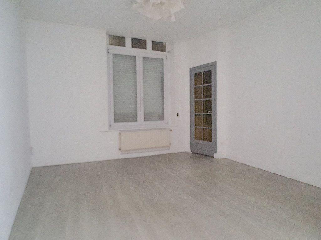 Maison à louer 4 86.2m2 à Lille vignette-2