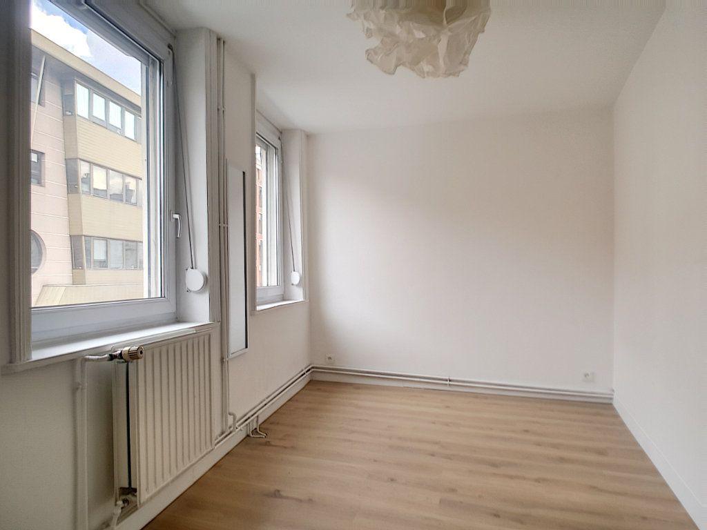 Maison à louer 4 86.2m2 à Lille vignette-5