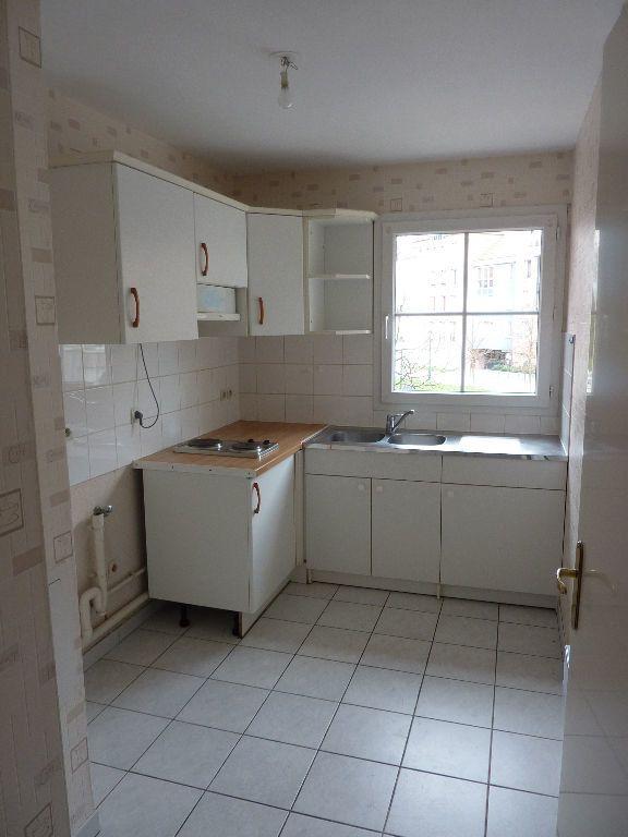 Appartement à louer 2 49.9m2 à Lille vignette-3