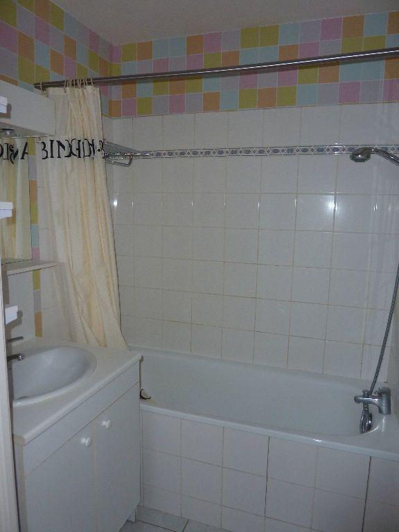 Appartement à louer 2 49.9m2 à Lille vignette-5