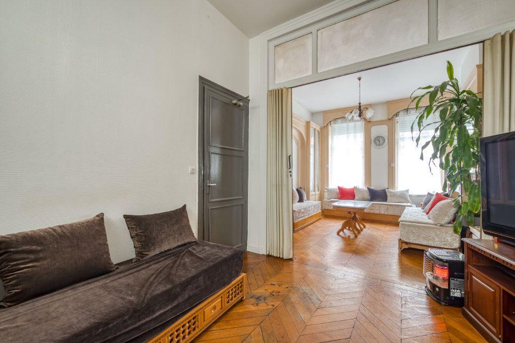 Maison à vendre 8 200m2 à Lille vignette-2