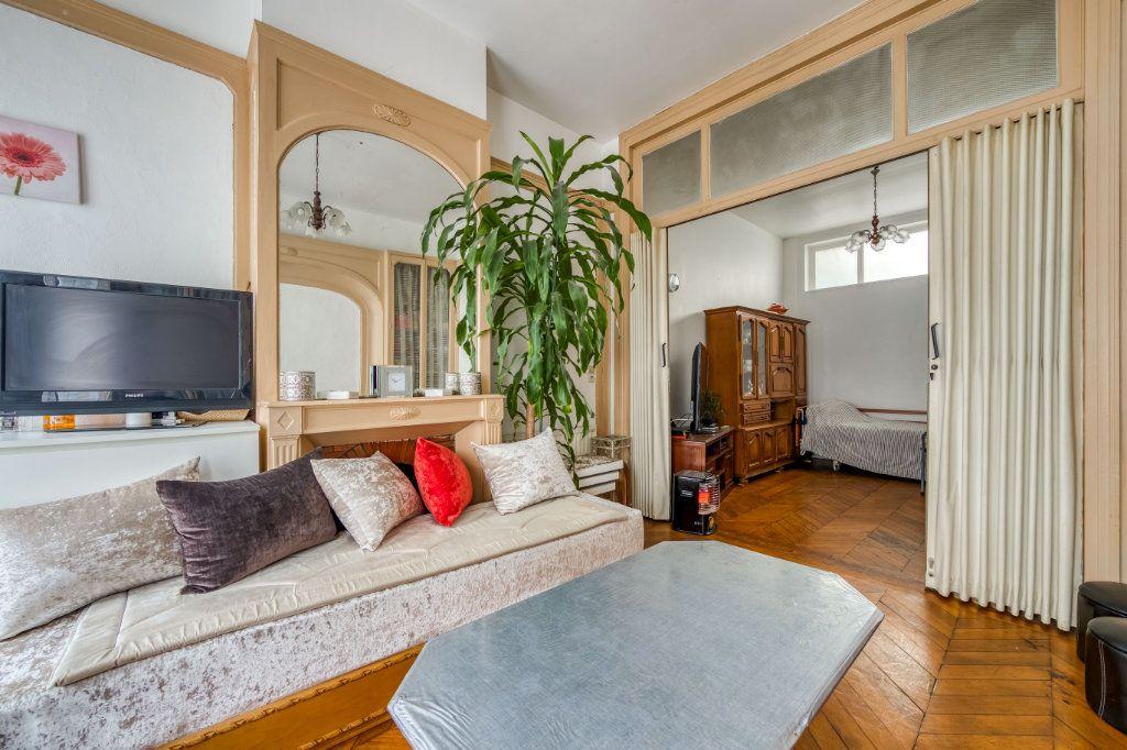 Maison à vendre 8 200m2 à Lille vignette-3